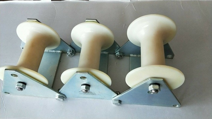 Three Wheel Nylon Rollers Cable Pulling Pulley For Laying Cable
