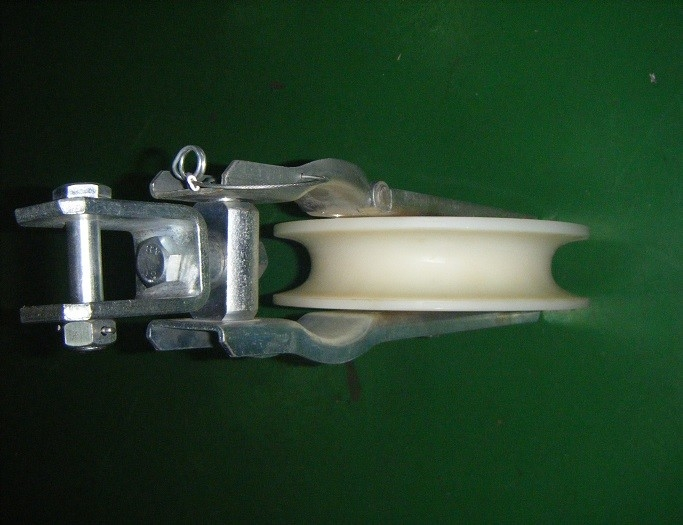 10KN Rated Load Transmission Line Stringing Tools Nylon Stringing Blocks Pulleys